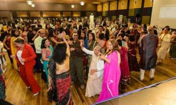 Hindus in Melbourne come together to celebrate Diwali