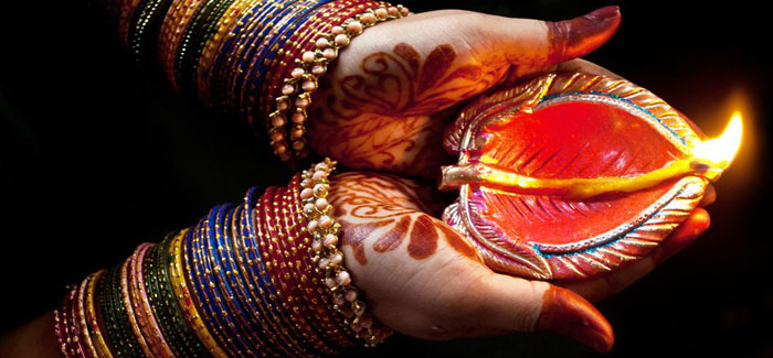 The Significance of Lighting Diyas On Diwali Festival